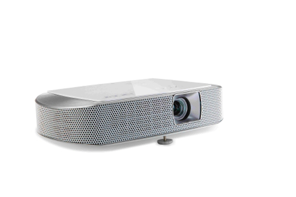 Acer K137 projector 3