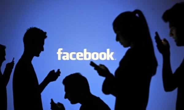 Facebook'a Kadinsal Dokunus!
