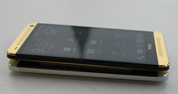 HTC One gold1 (3)