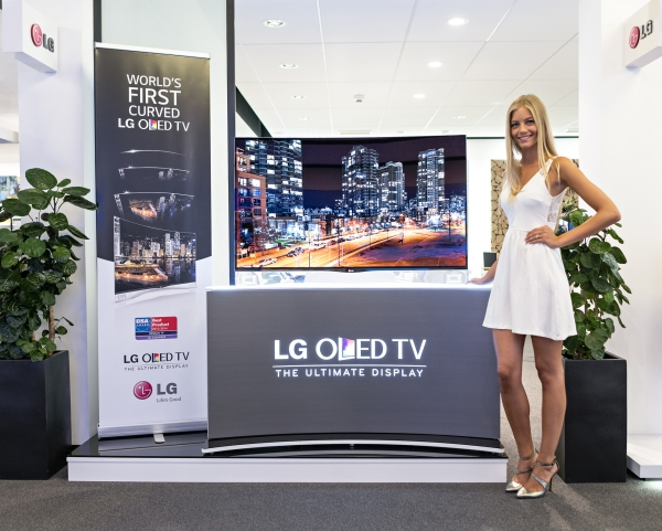 LG_CURVED OLED TV_IFA BB GORSEL_1